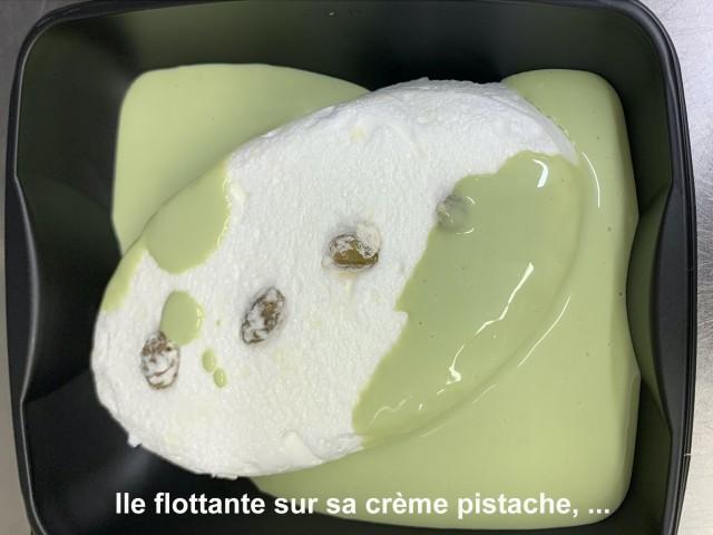 La Bisquine Ile flottante sur sa crème pistache