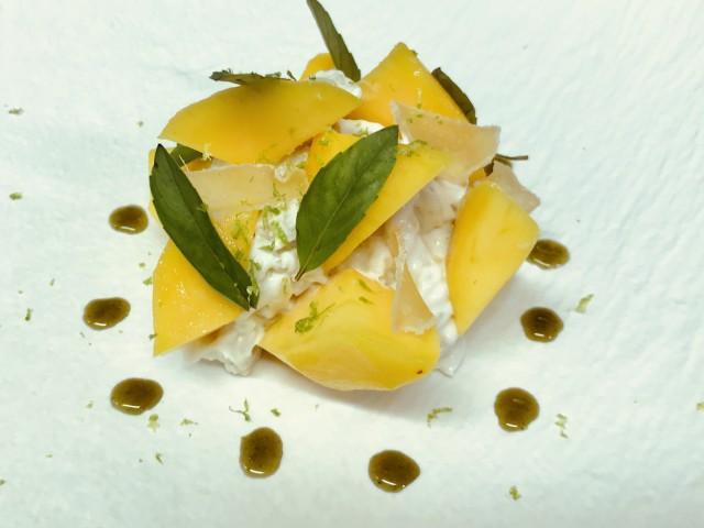 La Bisquine Langues d'oiseau comme un riz au lait de coco, Mangue fraiche, gingembre confit, râpée de limon et basilic Thai