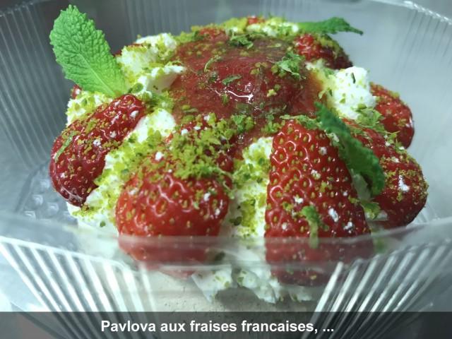 La Bisquine Pavlova aux fraises françaises, ...