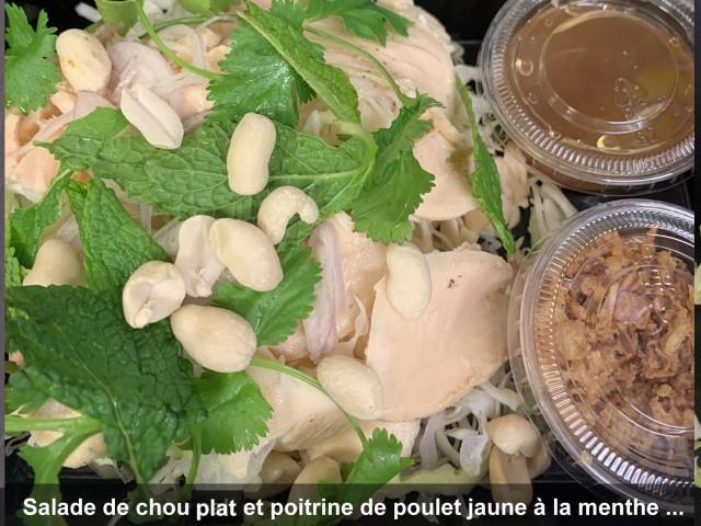 La Bisquine Salade de chou Atlas et poitrine de poulet à la menthe, ...